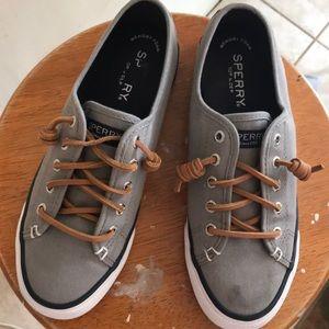 Grey canvas Sperry